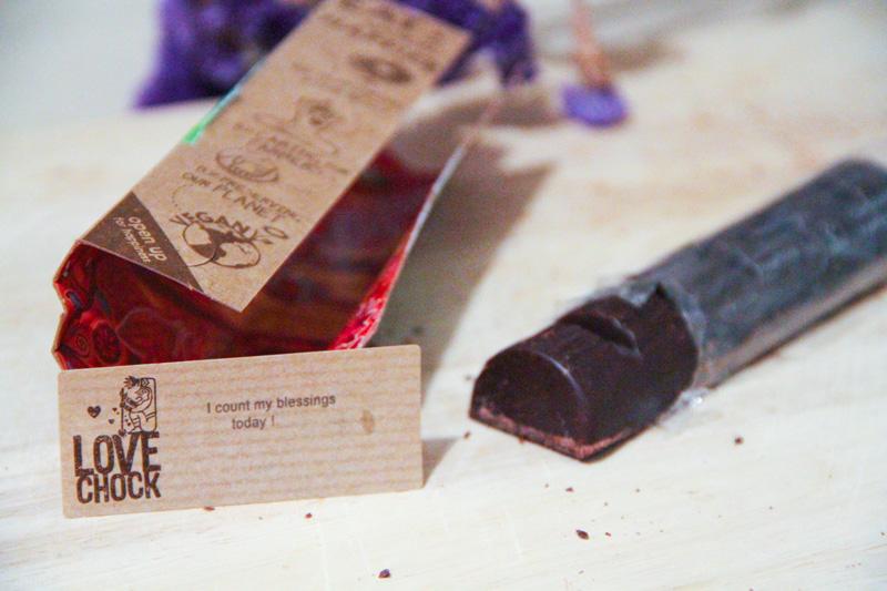 Un tronchetto di cioccolato con bigliettino motivazionale